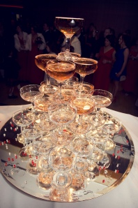 How to ensure projects share the best lessons from one another like a champagne fountain? (Credits - KievCaira)